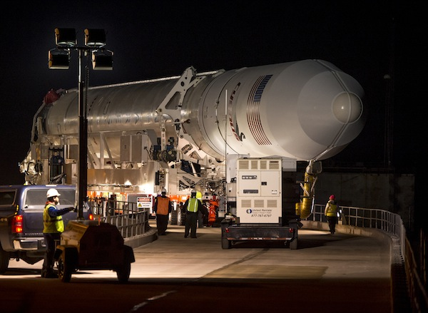 http://spaceflightnow.com/antares/orb1/rollout/10_600439.jpg
