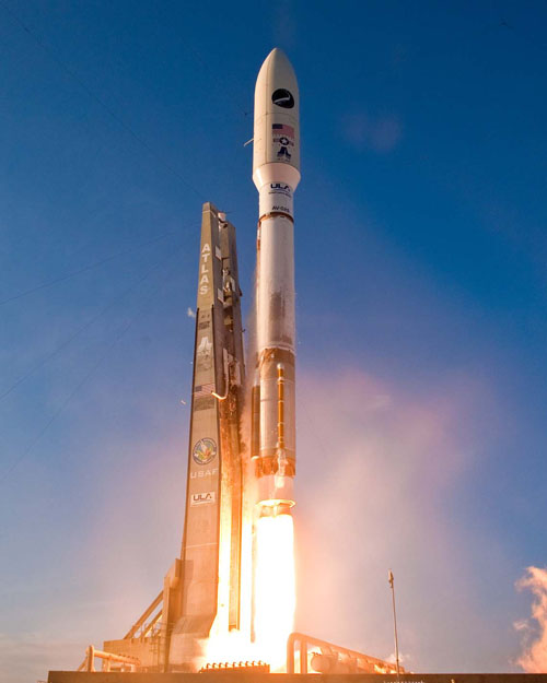 http://www.spaceflightnow.com/atlas/av026/launch/05.jpg