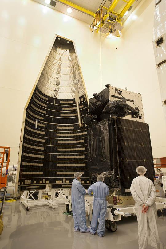 http://spaceflightnow.com/atlas/av037/payload/01.jpg