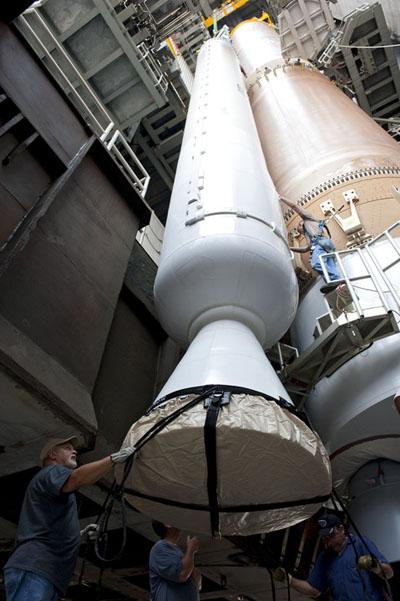 Atlas V 551 (MUOS-2) - 19.7.2013 Srbstacking