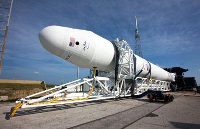 hangar spacex falcon 9 high resolution - photo #43