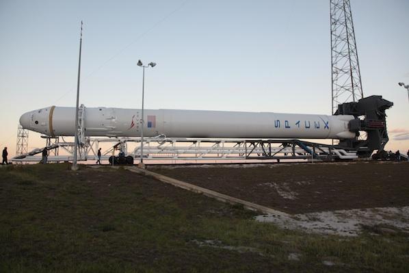 Falcon 9 / Dragon (vol COTS 1) (08/12/2010) - Page 2 02