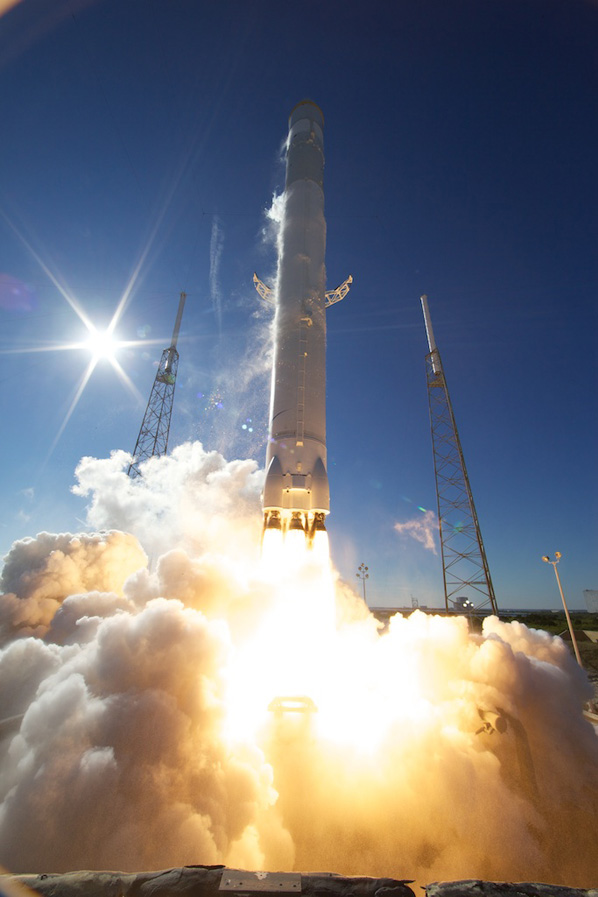 SpaceX's Falcon 9 Takes Off