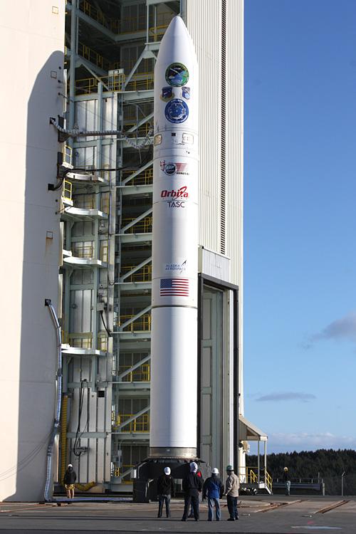 Lancement Minotaur 4 / FastSat (et autres) depuis Kodiak (20.11.2010) 07