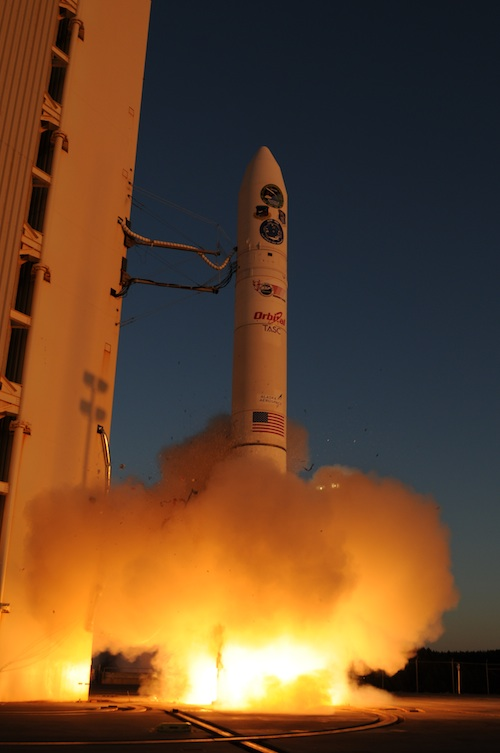 Efficient space weather profiling using microsatellite