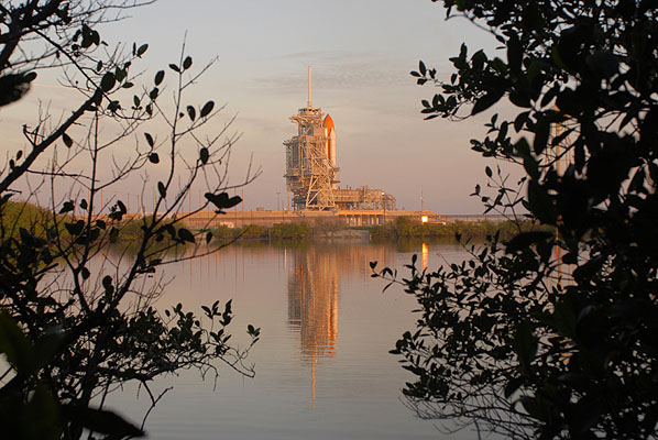 [STS-131 /ISS19A] Discovery fil dédié au lancement (05/04/2010) - Page 3 01