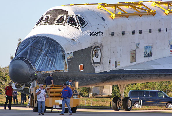Shuttle Atlantis Moves to VAB, But Only for Storage