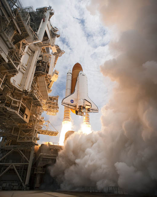 http://www.spaceflightnow.com./shuttle/sts135/launch/13.jpg
