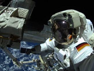Alexander Gerst takes a spacewalk selfie during Tuesday's EVA. Credit: ESA/NASA