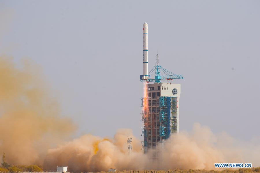 A Long March 2C rocket lifted off at 0659 GMT (2:59 a.m. EDT; 2:59 p.m. Beijing time) Monday with a Chinese military satellite. Credit: Xinhua