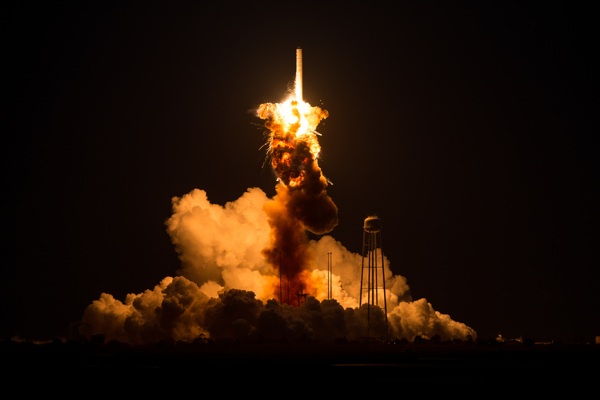 Engine turbopump eyed in Antares launch failure ...