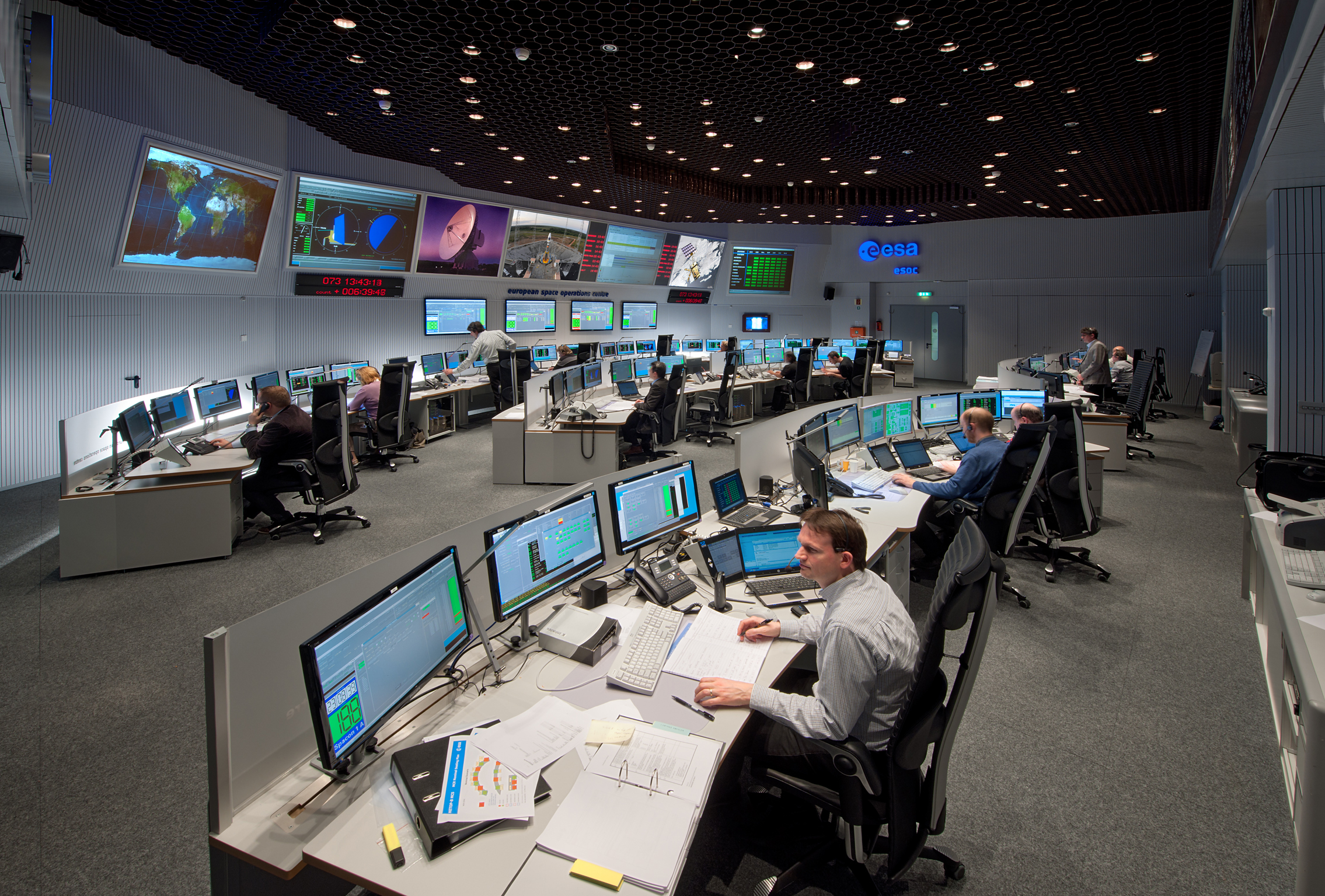 The fourth and final Go/No Go decision point comes after confirmation of a satisfactory pre-delivery maneuver by Rosetta.