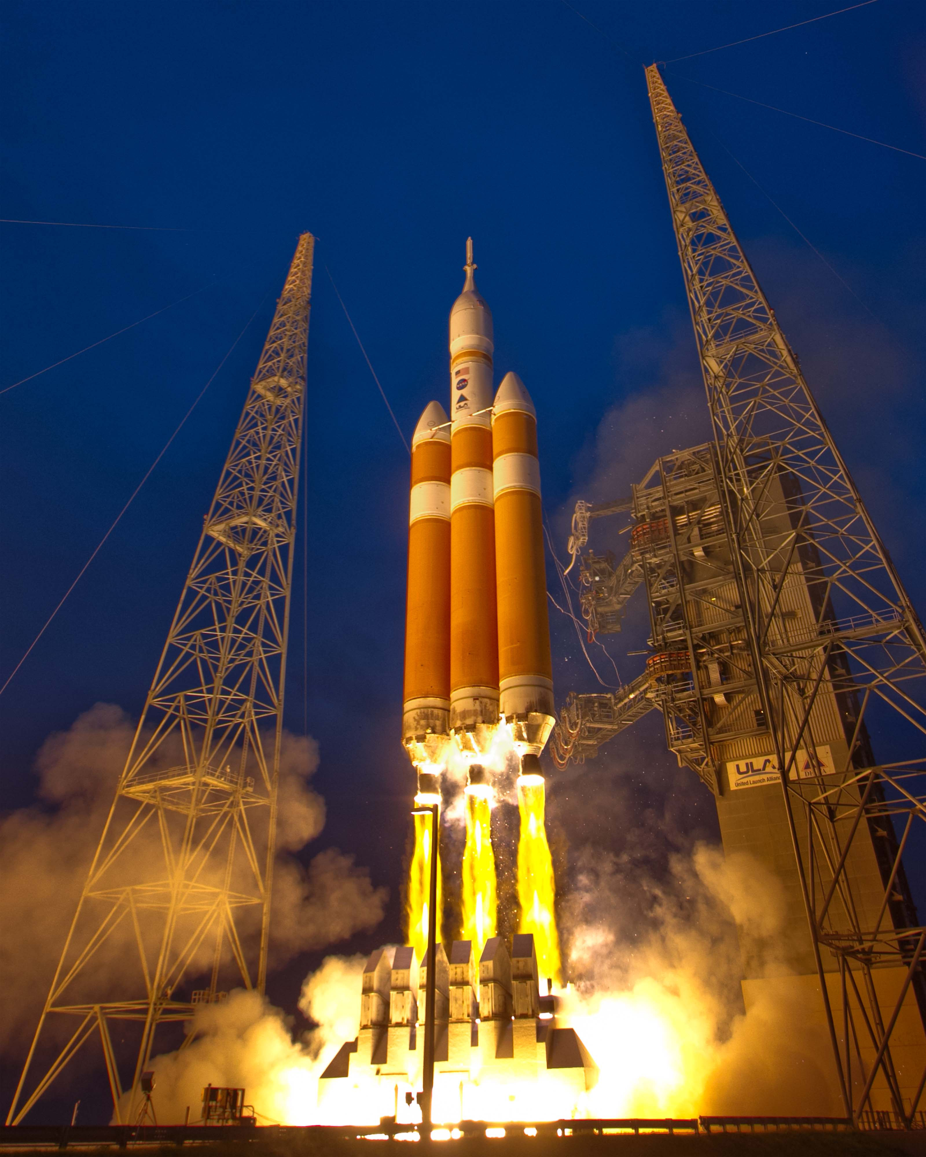 Photos: One more look at Orion's launch – Spaceflight Now