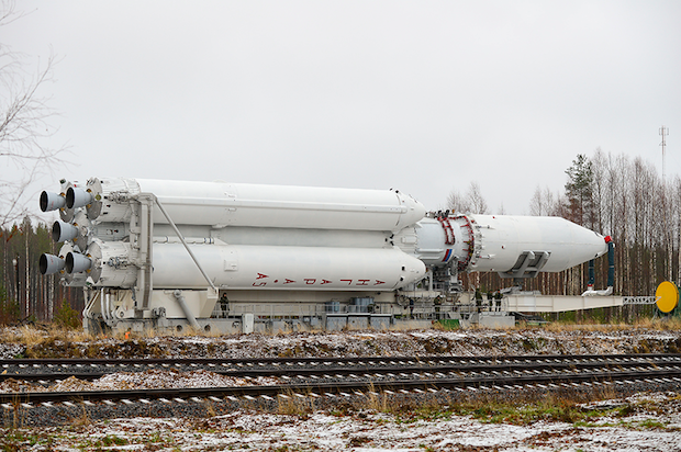 The Angara 5 rocket rolls to its launch pad in this file photo from November. Credit: Russian Ministry of Defence