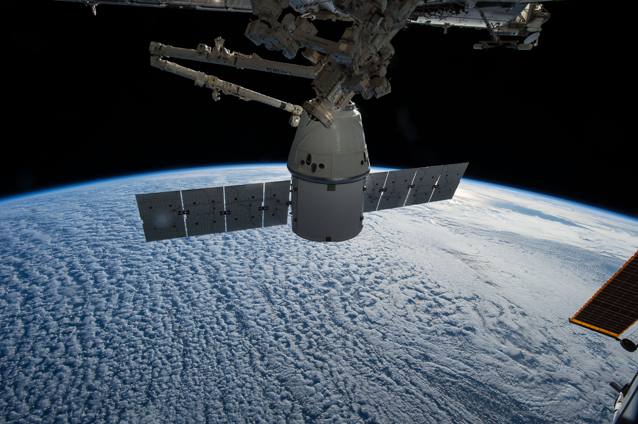 File photo of a SpaceX Dragon supply ship at the International Space Station. Credit: NASA