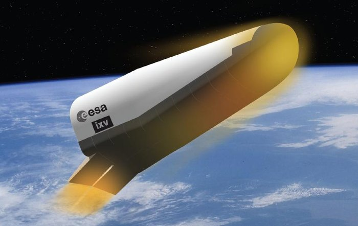 The IXV re-enters the atmosphere at an altitude of 120 kilometers (74 miles) and a velocity of 7.5 kilometers per second (16,777 mph). The craft uses four thrusters and two flaps mounted on the rear of the IXV to execute a series of S-turn banking maneuvers.
