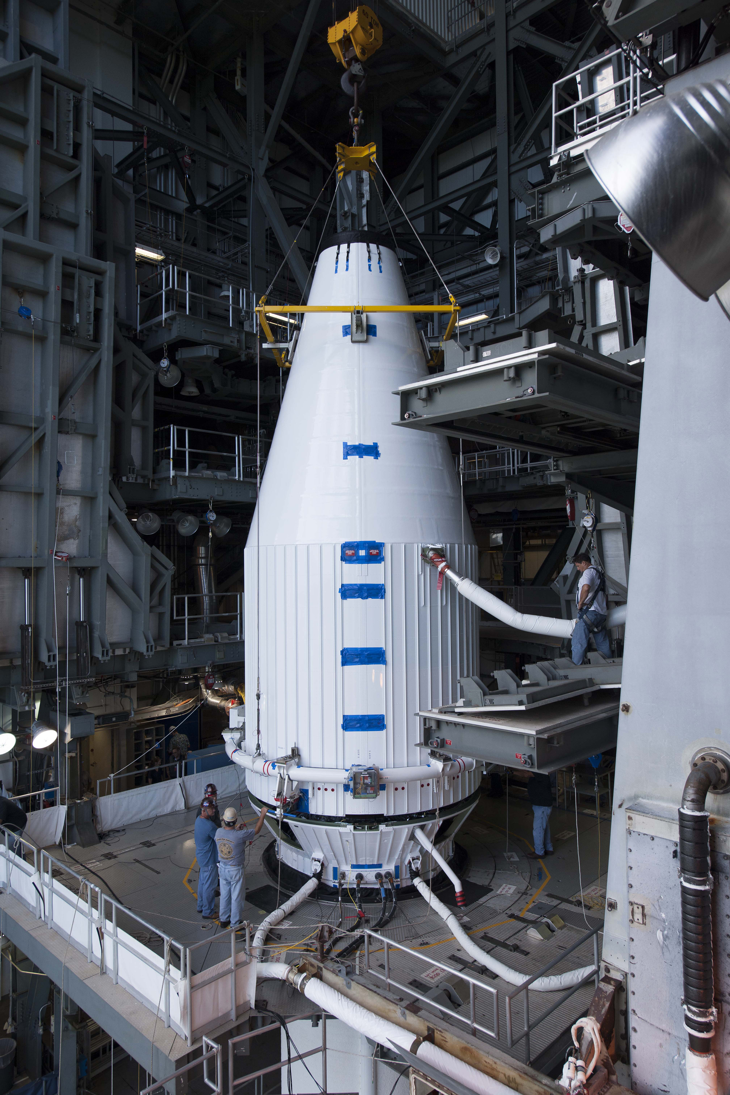 Four satellites mated to Atlas 5 rocket – Spaceflight Now