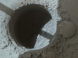 drill-hole-mars-rover-curiosity-Sol-908-TelegrphPk-merge-pia19140-full