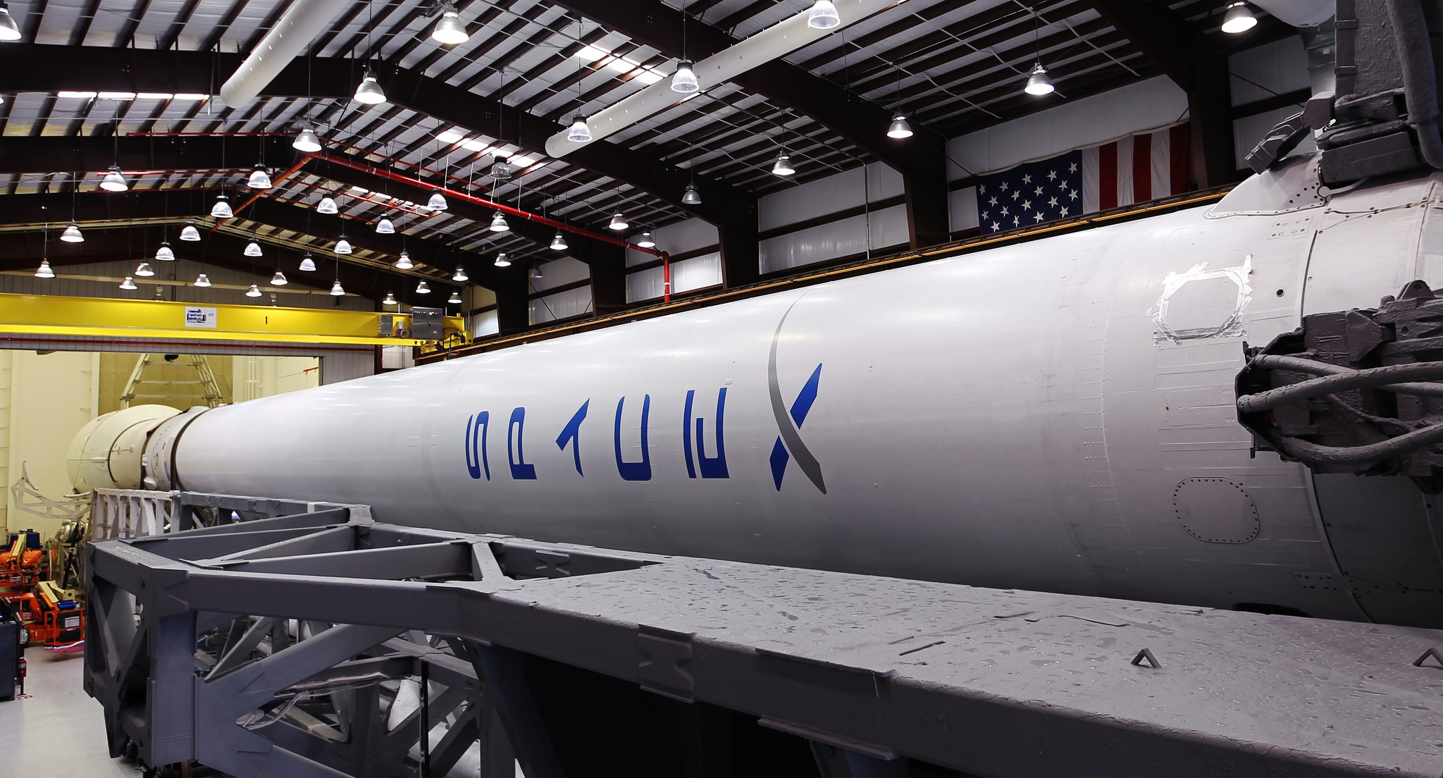 hangar spacex falcon 9 high resolution - photo #13