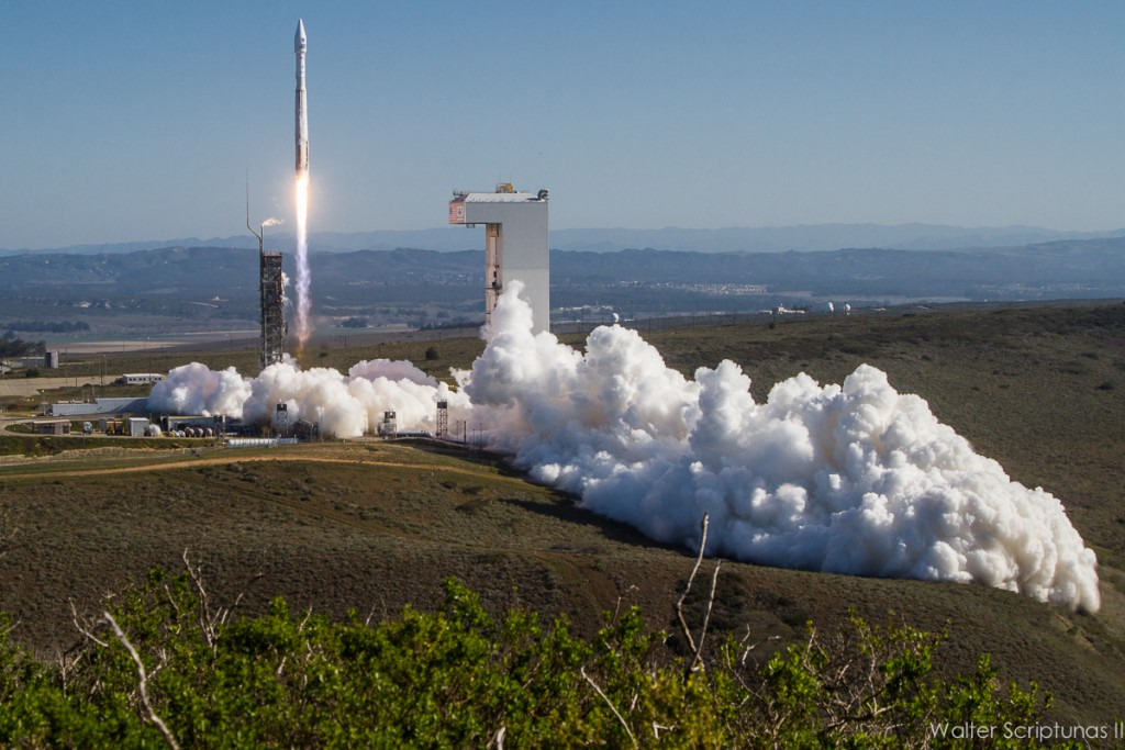 Landsat 8 is launched from SLC-3E aboard an Atlas 5. Credit: Walter Scriptunas II / Scriptunas Images