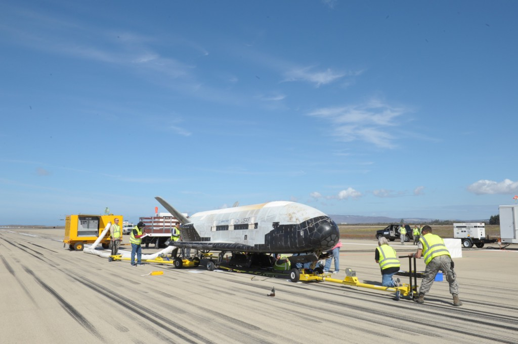 x 37b orbital test vehicle otv orbit The x-37b orbital test vehicle mission 4 (otv-4), the air force's unmanned, reusable space plane, landed at nasa's kennedy space center shuttle landing facility may 7, 2017,.