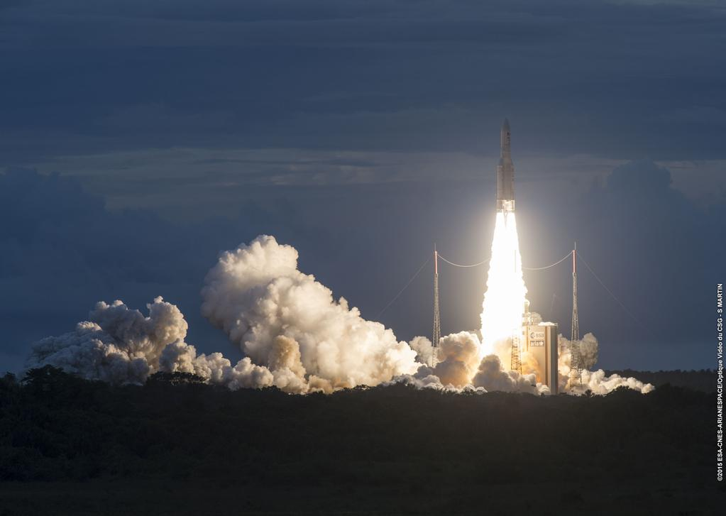 The Ariane 5 rocket lifted off at 2116 GMT (5:16 p.m. EDT; 6:16 p.m. French Guiana time) with DirecTV 15 and Sky Mexico 1. Credit: ESA/CNES/Arianespace – Optique Video du CSG – S. Martin