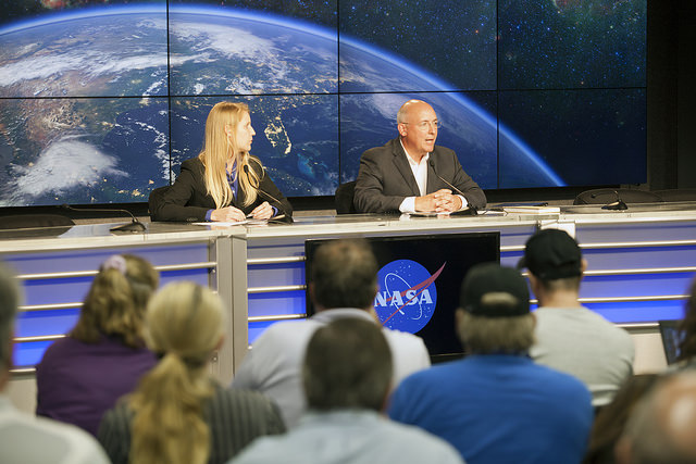 NASA space station program manager Mike Suffredini, right, speaks to reporters after Sunday's Falcon 9 launch failure. Credit: NASA/Glenn Benson