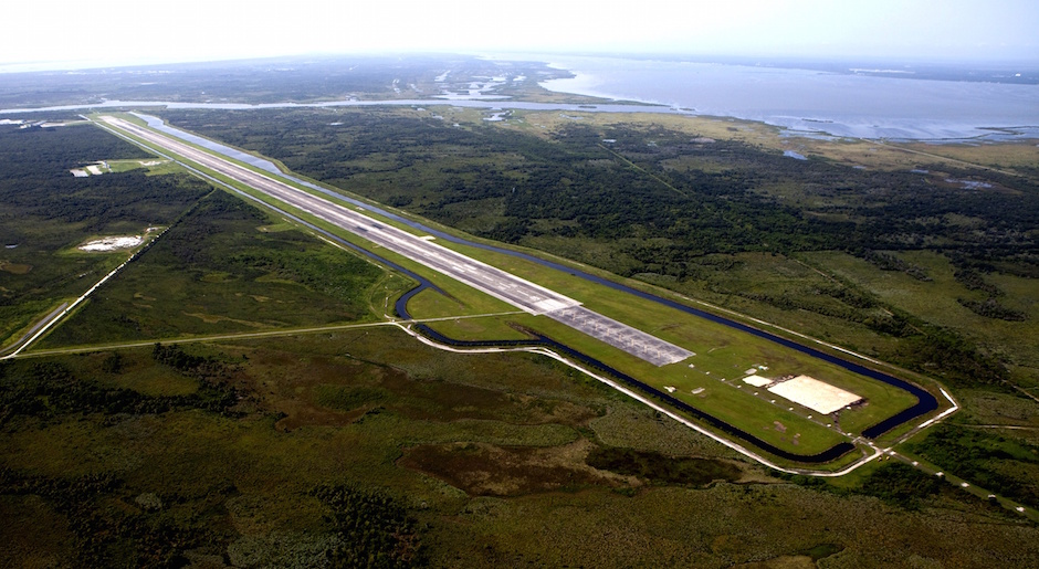 File photo of Kennedy Space Center's Shuttle Landing Facility runway. Credit: NASA/KSC