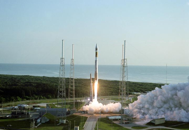 The Mars Reconnaissance Orbiter launched from Cape Canaveral on 12 August 2005, aboard an Atlas 5 rocket. Credit: Pat Corkery/Lockheed Martin
