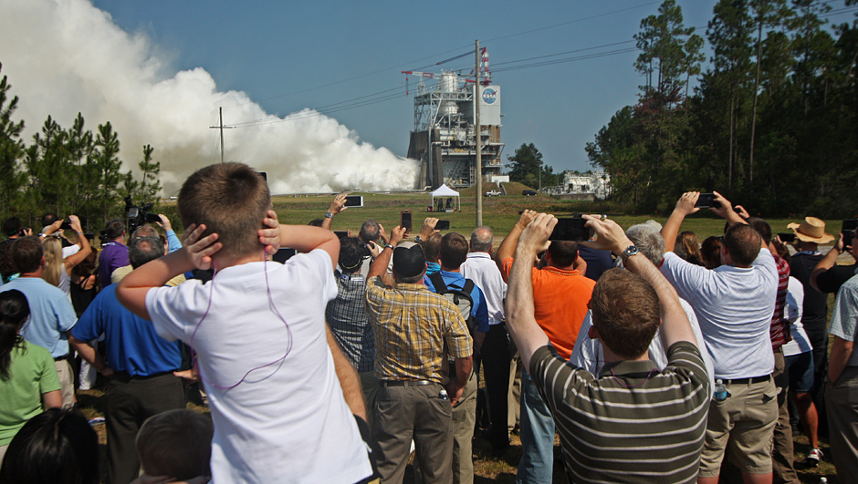 NASA distributed earplugs to protect against the 120-decibel roar of the RS-25 main engine. Credit: Stephen Clark/Spaceflight Now
