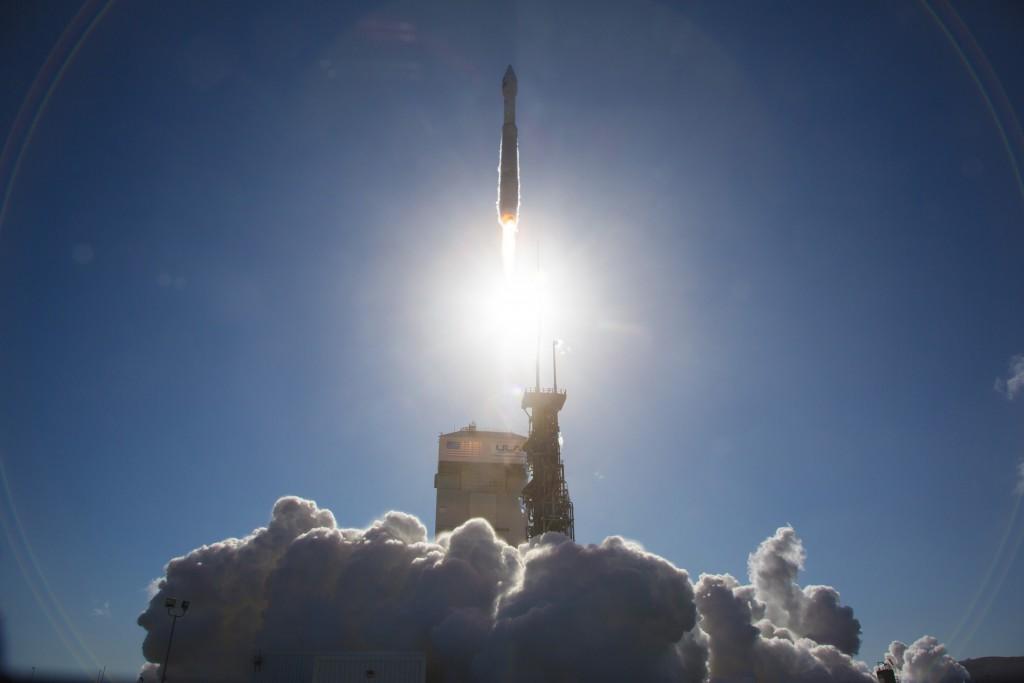 Launch of Atlas 5 with Landsat 8. Credit: ULA