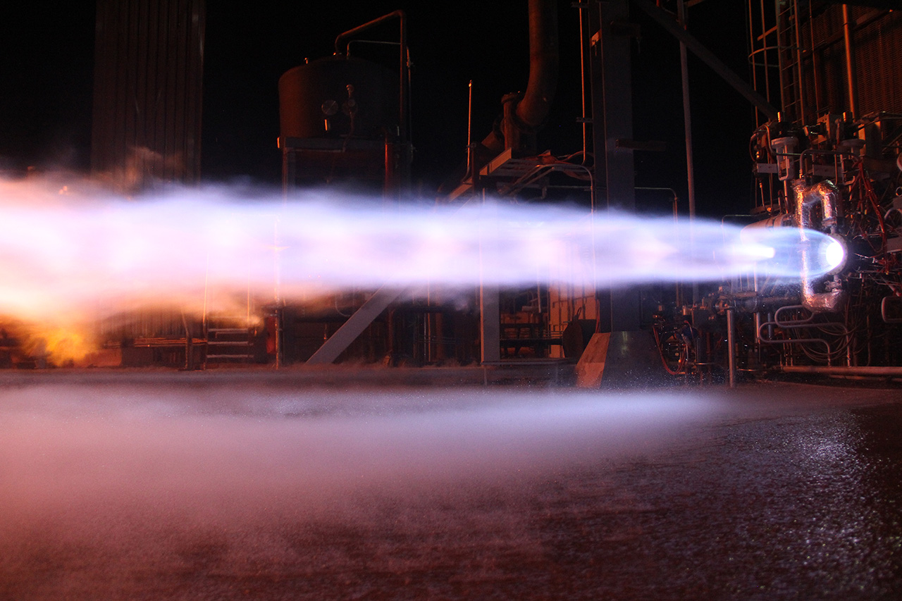 Components of Blue Origin's BE-4 engine are being hotfired at the company's West Texas test site. Credit: Blue Origin