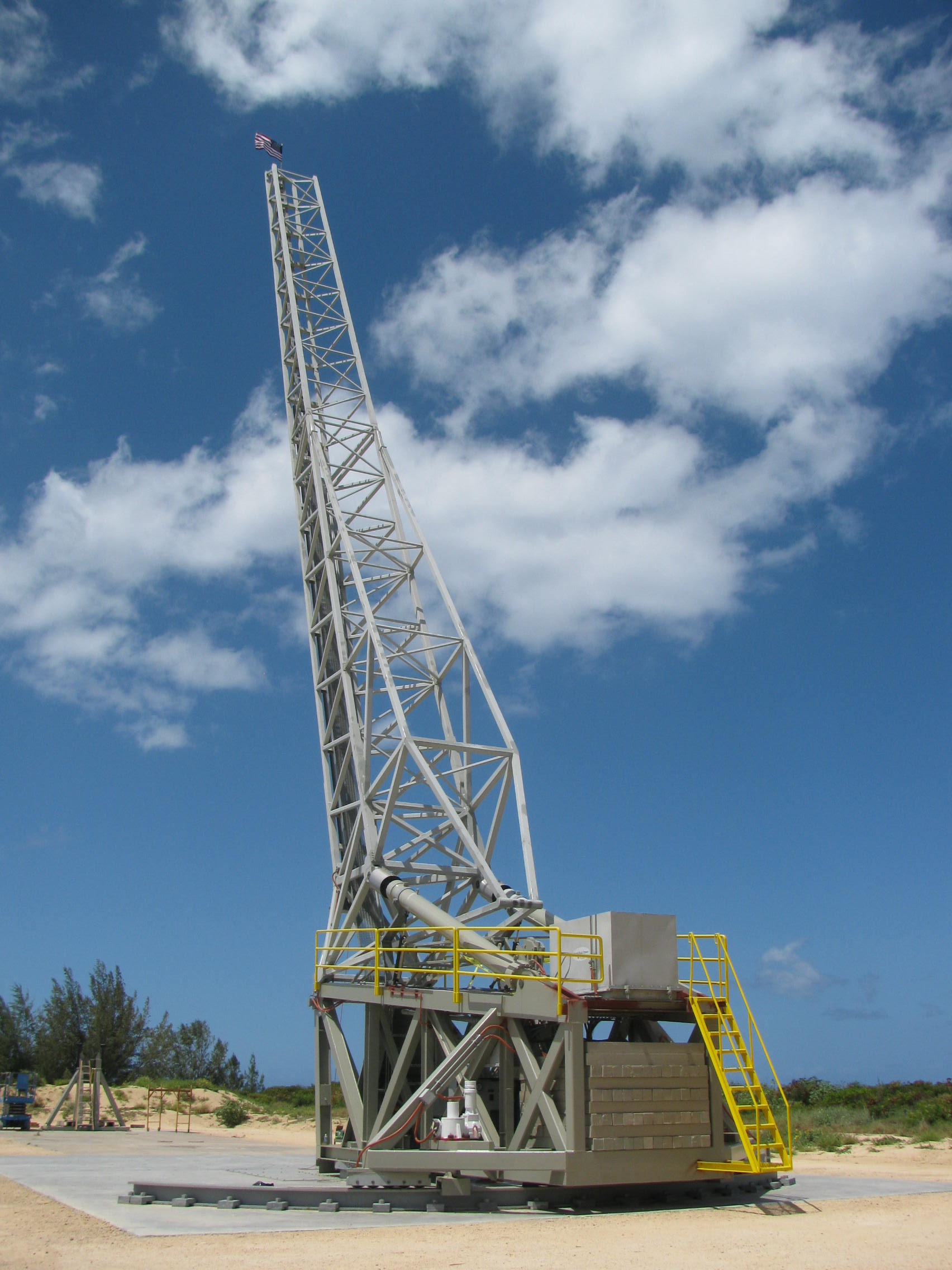 The rail launch system used by the Super Strypi vehicle is modified from the rail launcher from the Scout rocket program retired in the 1990s. It stands more than 100 feet tall. Credit: University of Hawaii