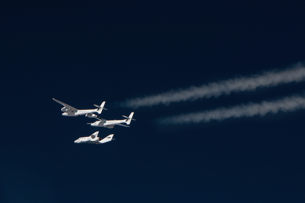 Virgin Galactic's WhiteKnightTwo carrier plane releases the first SpaceShipTwo vehicle on a glide flight over California's Mojave Desert. Credit: Virgin Galactic
