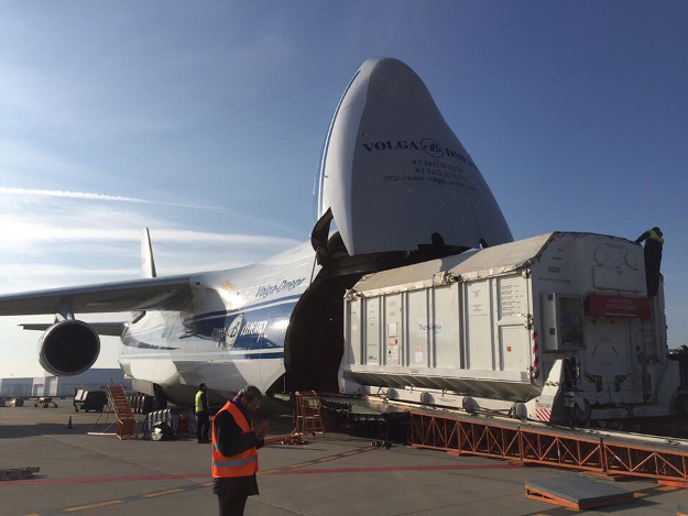 The ExoMars Trace Gas Orbiter is loaded on an Antonov An-124 transport plane in Turin, Italy. Credit: Thales Alenia Space