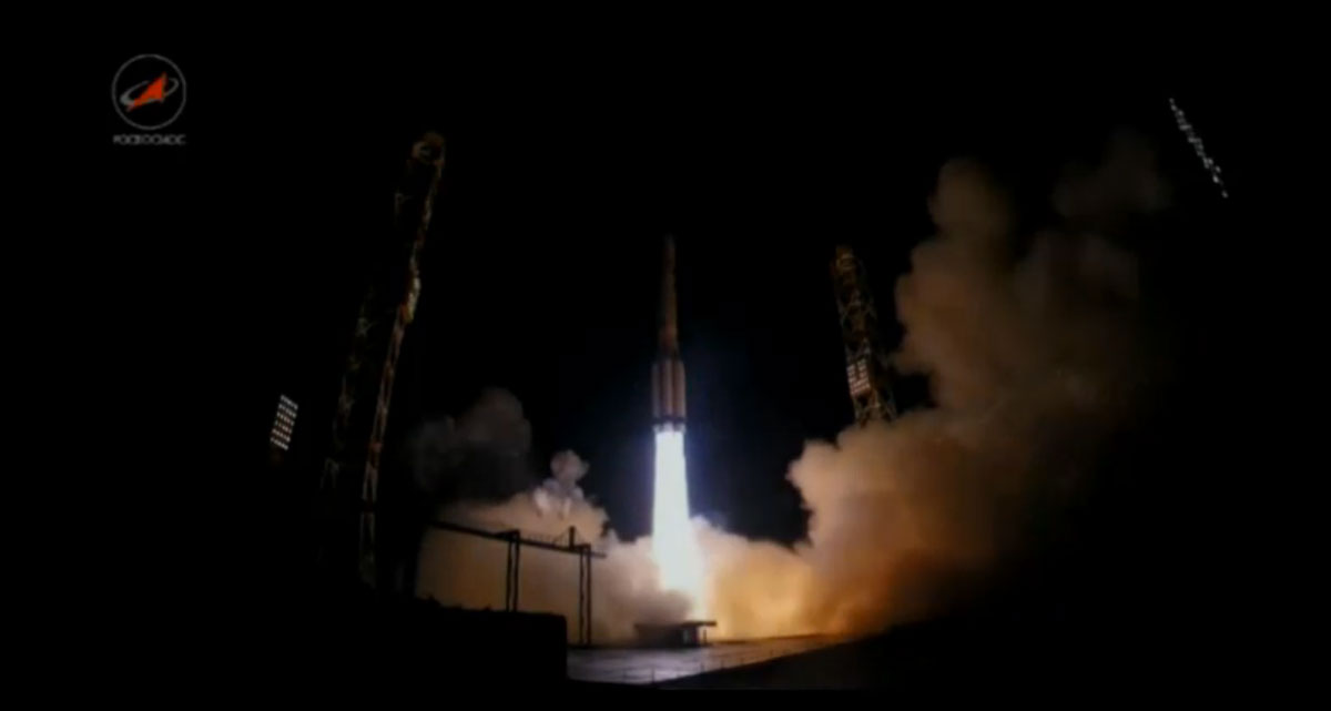A Proton rocket lifted off at 2131 GMT (4:31 p.m. EST) with the Express AMU1/Eutelsat 36C satellite. Credit: TsENKI TV