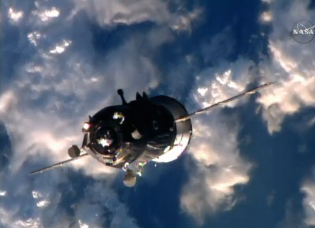 The Soyuz TMA-19M spacecraft approaches the International Space Station. Credit: NASA TV/Spaceflight Now