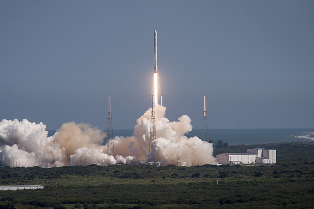 A SpaceX Falcon 9 rocket soars from Cape Canaveral's Complex 40 launch pad on April 14, 2015, with a Dragon supply ship for the International Space Station. Credit: SpaceX