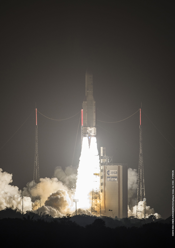 An Ariane 5 rocket blasted off at 2320 GMT (6:20 p.m. EST) Wednesday with the Intelsat 29e satellite. Credit: ESA/CNES/Arianespace – Photo Optique Video du CSG – P. Piron