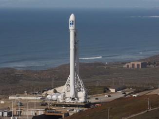ViaSat trades in Falcon Heavy launch for Ariane 5 ...