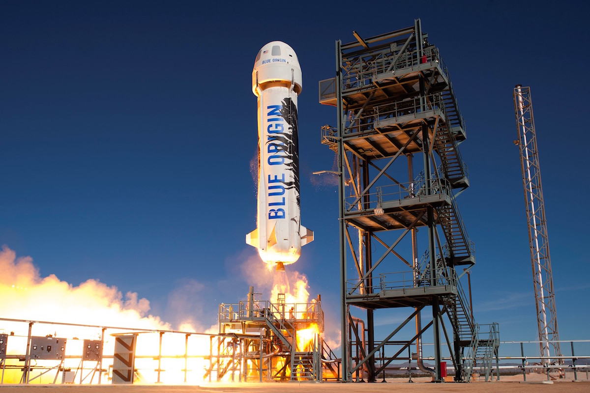 The New Shepard lifts off from Blue Origin's test site north of Van Horn, Texas. Credit: Blue Origin
