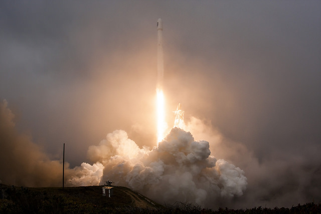 A Falcon 9 rocket took off from Vandenberg Air Force Base, California, with the Jason 3 satellite on Jan. 17. Credit: SpaceX