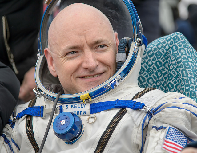 Astronaut Scott Kelly returns to Texas after 340 days in space