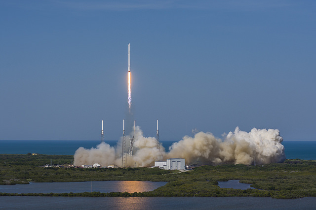 SpaceX's Falcon 9 rocket lifts off from Cape Canaveral's Complex 40 launch pad at 4:43 p.m. EDT (2043 GMT). Credit: SpaceX