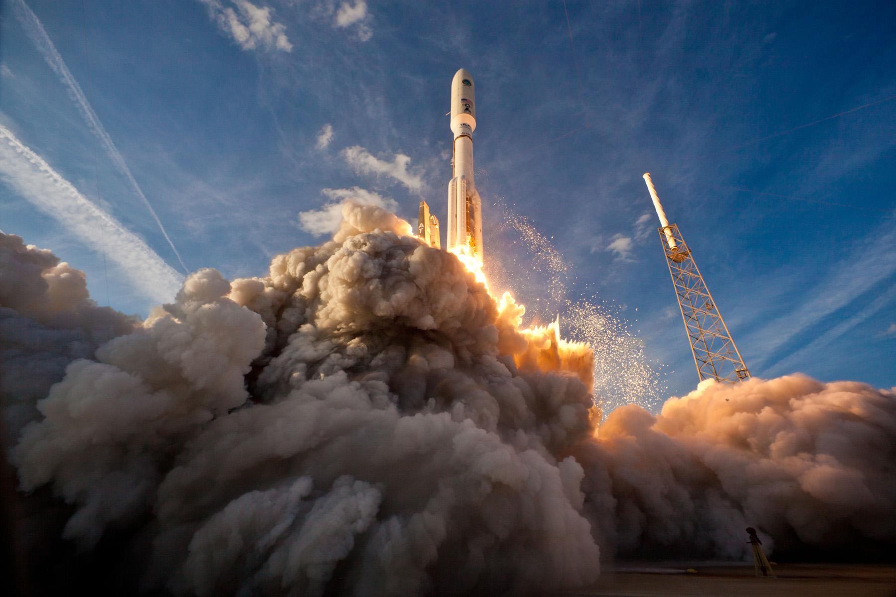 rocket space coast image - HD1600×1067