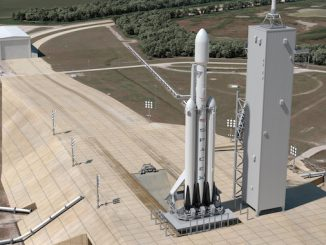 Artist's concept of SpaceX's Falcon Heavy rocket. Credit: SpaceX