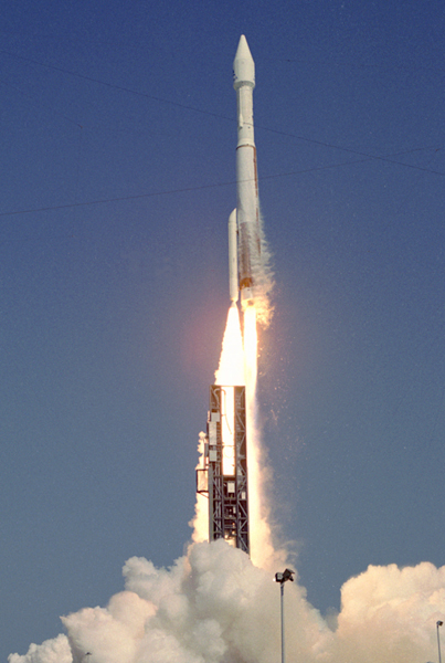 The first Atlas 5-411 launched the European ASTRA 1KR television broadcast satellite in 2006. Credit: Ben Cooper/Spaceflight Now