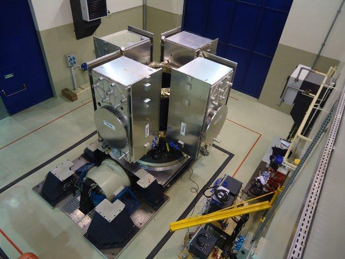 Four-satellite_Galileo_dispenser_node_fu