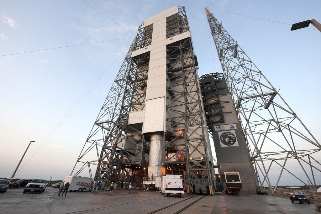 Delta IV Heavy NROL-37 Lift & Mate
