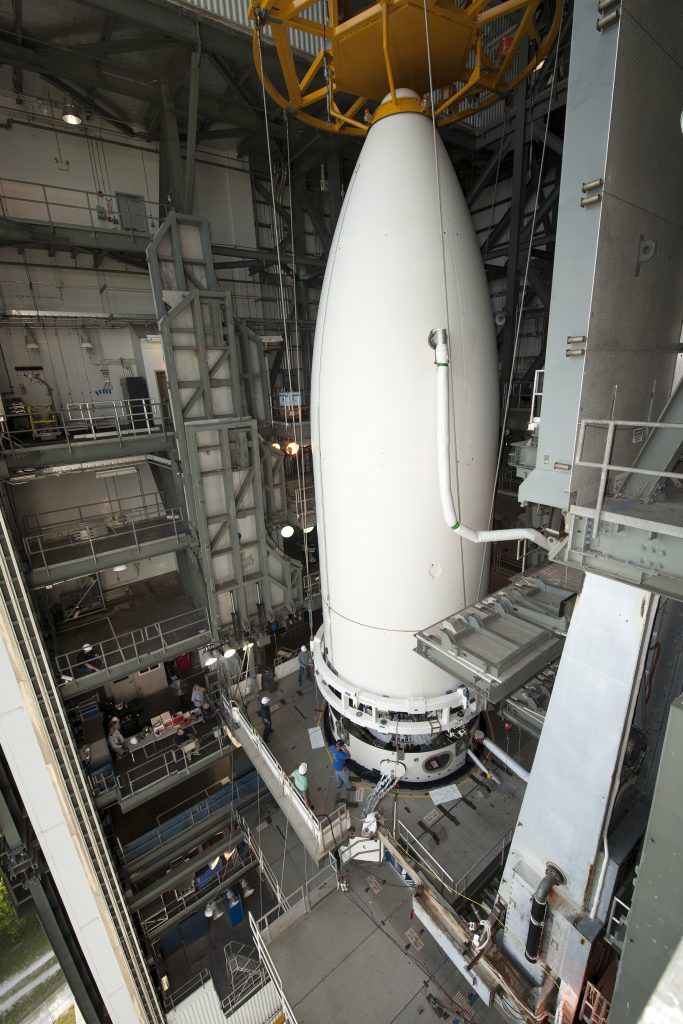 Atlas V/MUOS-5 Lift and Mate